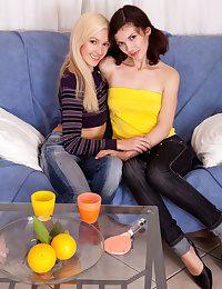 Appealing stark naked lesbians